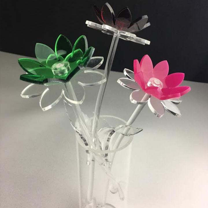 vaso con fiori in plex